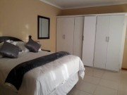 Middle Tree Guest House - Gaborone